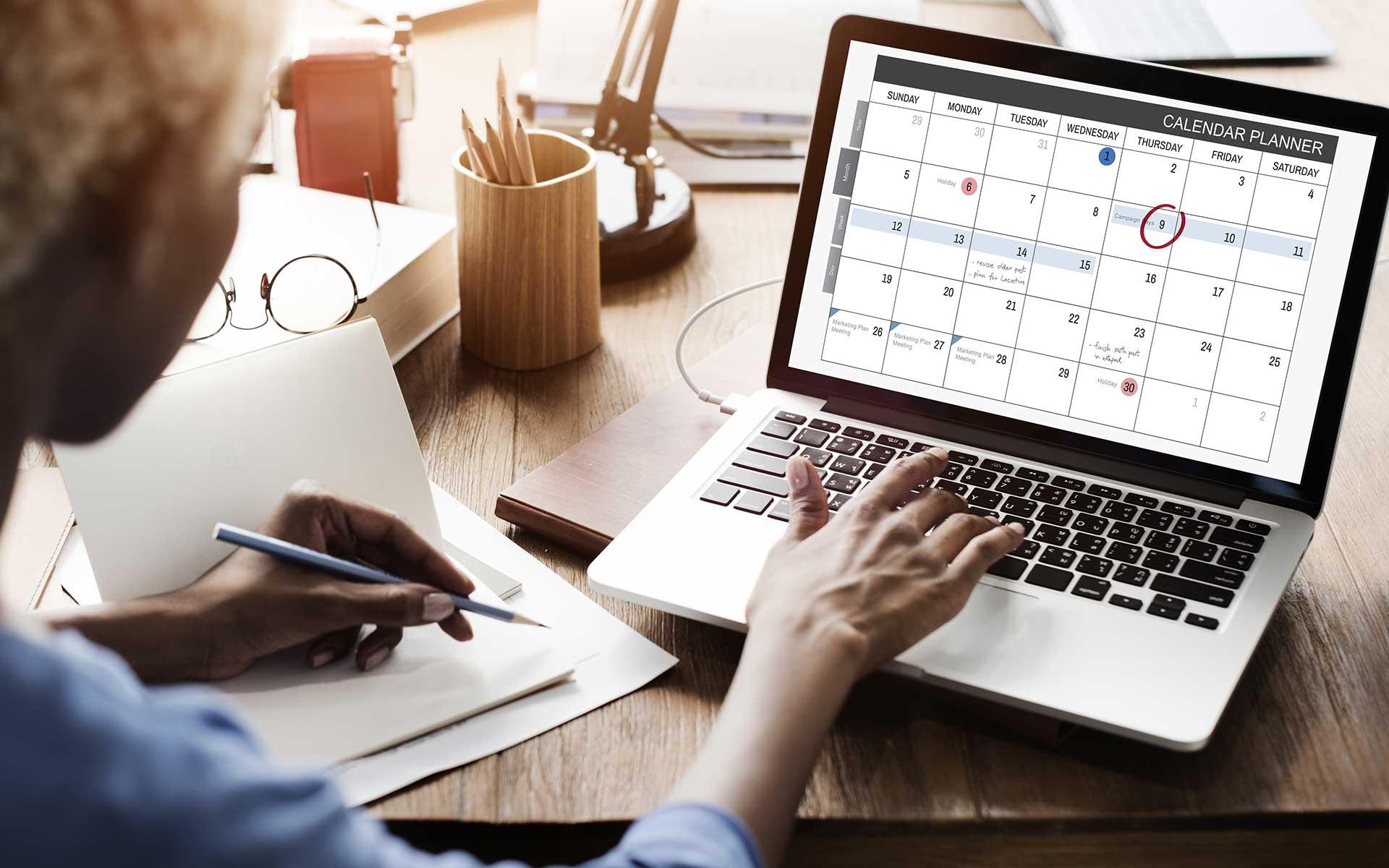 Social media calendar development